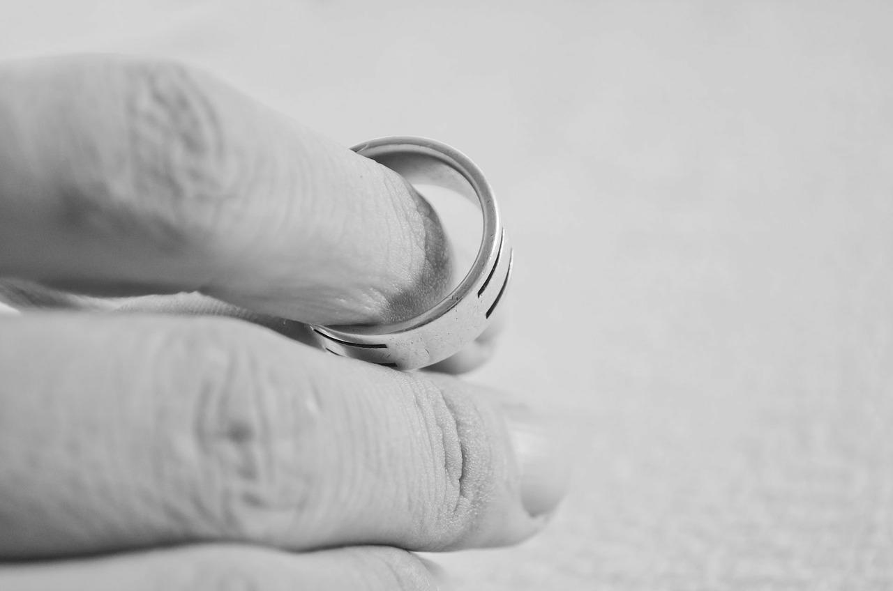 ¿Qué hacer si tu pareja se niega a concederte el divorcio?