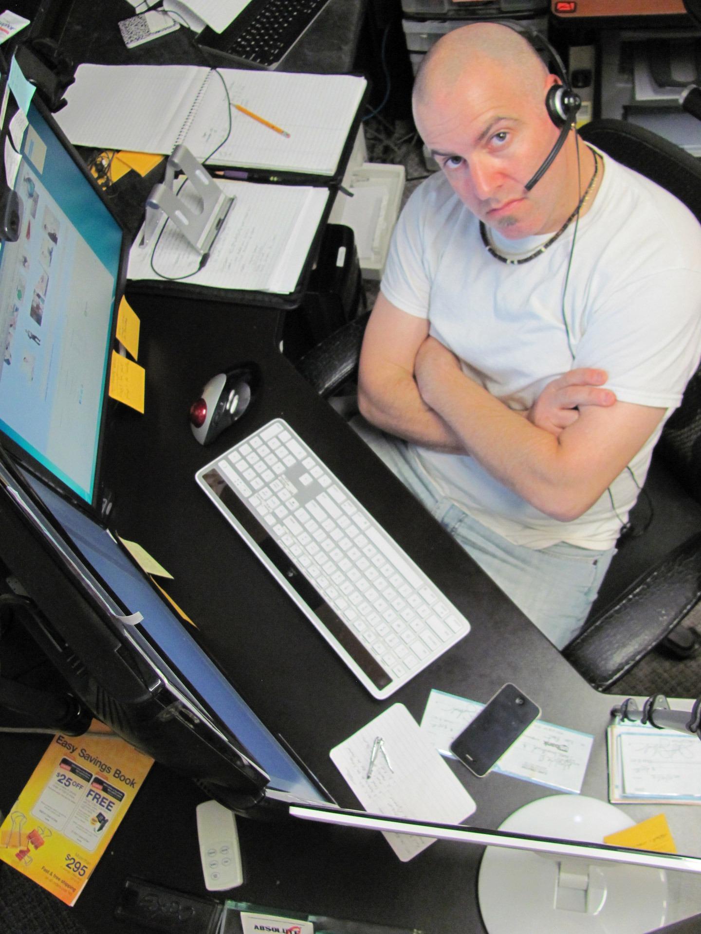 Cuidado con el timo de los falsos contratos de telefonía